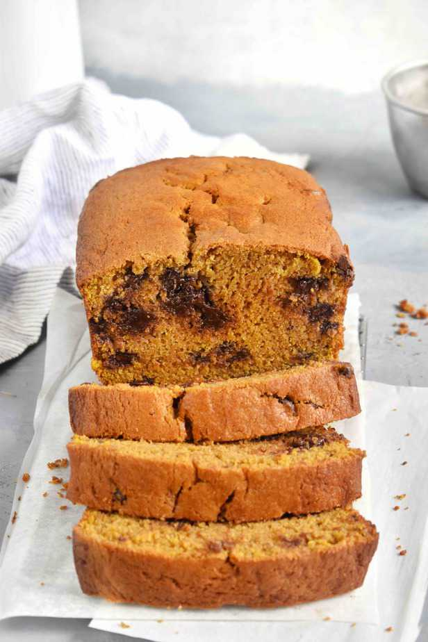 slices of pumpkin chocolate chip bread