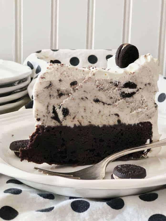 Cookies & Cream ICe Cream Cake.