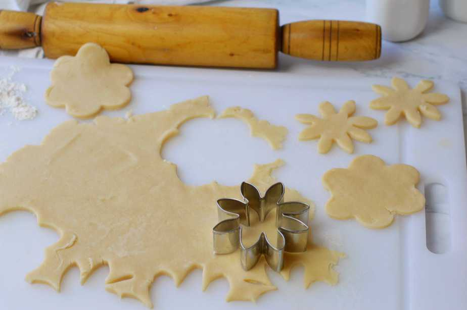 flowers cut from pastry crust